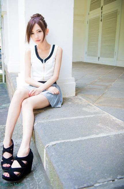 スリムで可愛い女の子 エロ画像 (23)