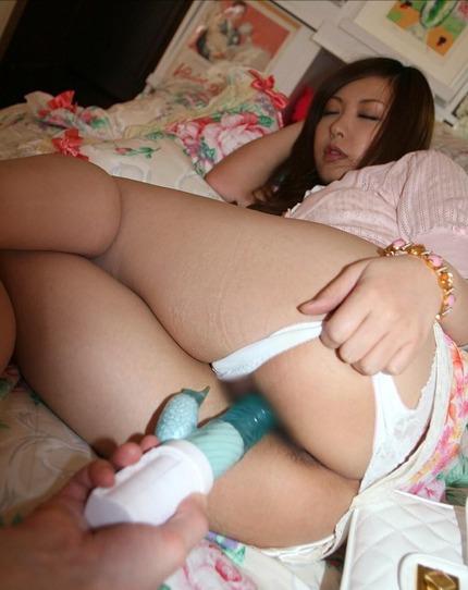 おもちゃで攻められてる エロ画像 (13)