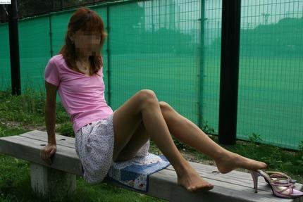 ノーブラ透け乳首 エロ画像 (16)
