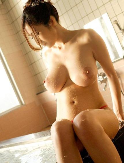 巨乳おっぱい エロ画像 (21)