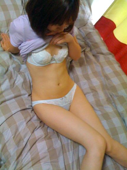 細い 華奢な女の子 エロ画像 (10)