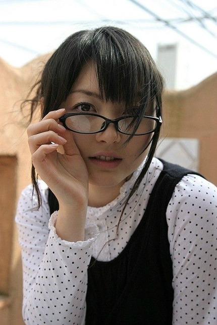 眼鏡の女の子 エロ画像 (13)