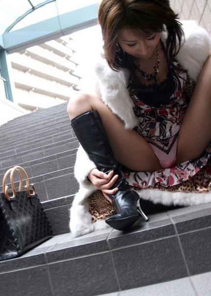 ギャルのブーツはいてる エロ画像 (6)