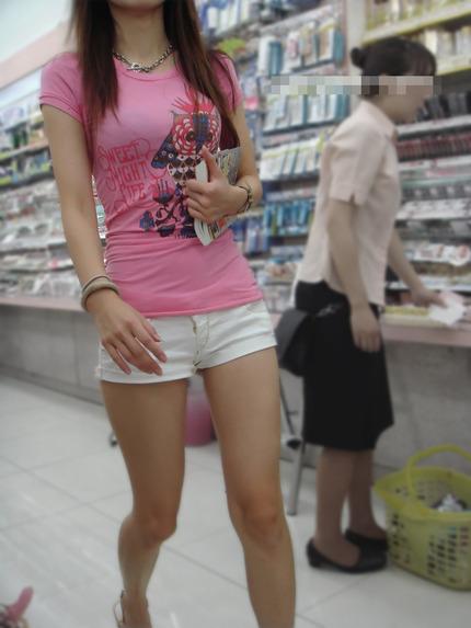 ホットパンツ と お尻 エロ画像 (13)