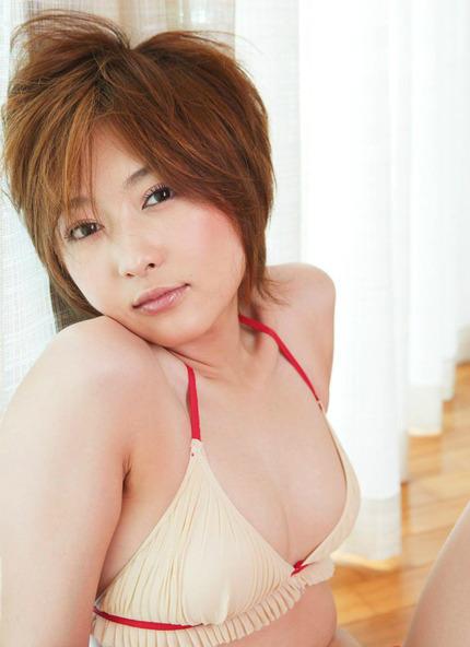 ビキニで 可愛い女の子 エロ画像 (20)