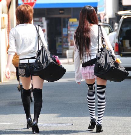 ホットパンツ と お尻 エロ画像 (11)
