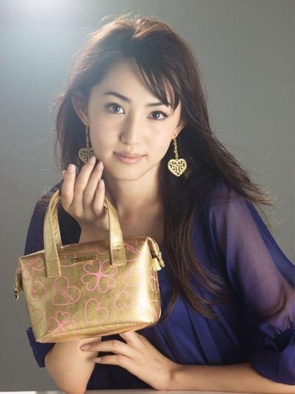 清楚なお姉さん エロ画像 (21)