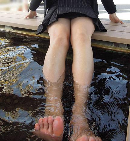 足指フェチのエロ画像 (13)