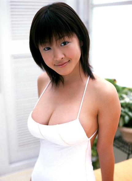 胸の谷間 エロ画像 (15)