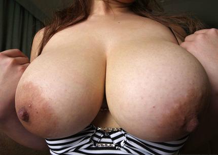 巨乳おっぱい エロ画像 (5)