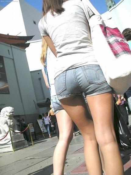 ホットパンツ と お尻 エロ画像 (7)