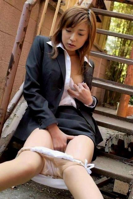 綺麗なお姉さん オナニーエロ画像 (12)