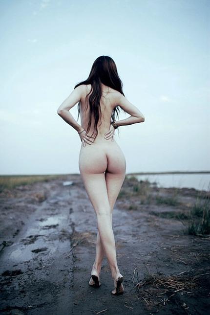 下着・裸のエロ画像 (10)