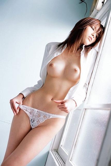 美乳 おっぱいエロ画像 (16)