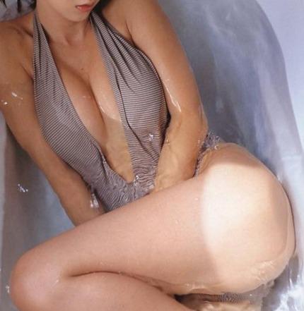 下着・裸のエロ画像 (21)