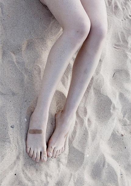 足指フェチのエロ画像 (21)