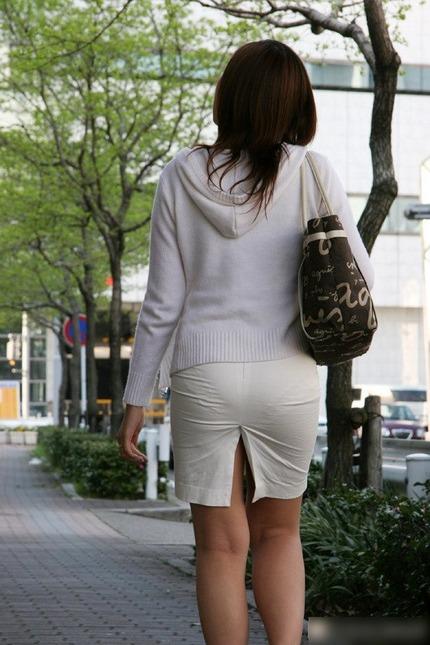 タイトスカートの 尻 エロ画像 (12)
