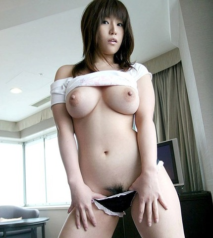 巨乳おっぱい エロ画像 (15)