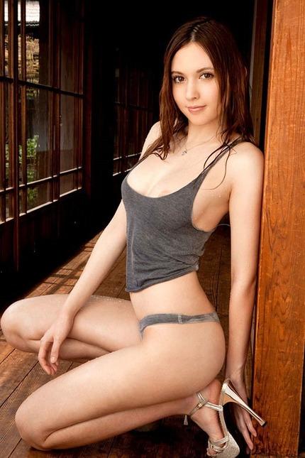 綺麗なお姉さん エロ画像 (12)