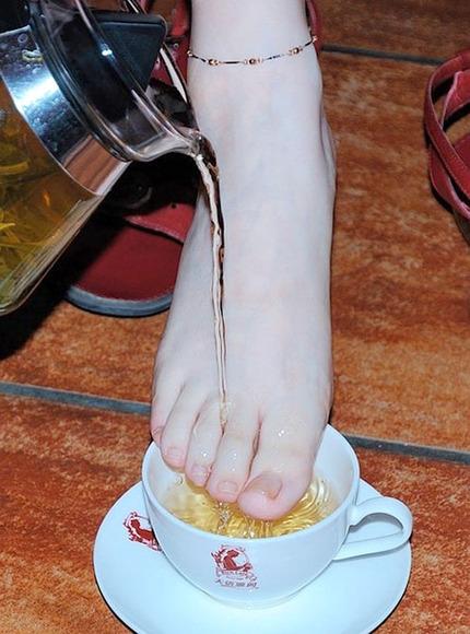 足指フェチのエロ画像 (7)