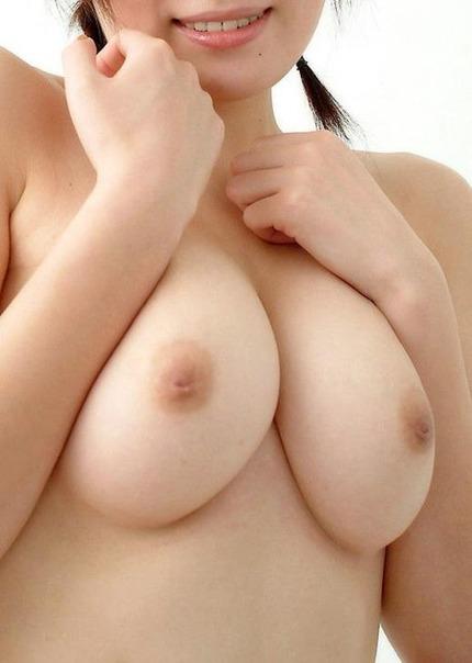 美乳おっぱい エロ画像 (20)