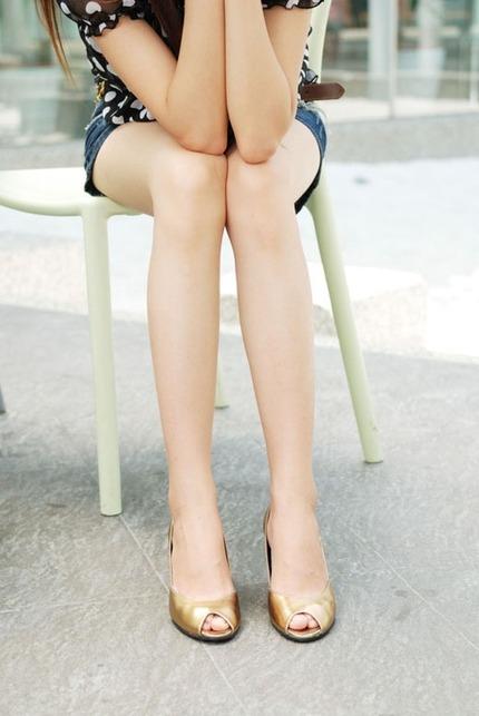 美脚 エロ画像 (15)
