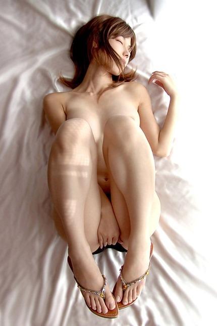 エロいポーズの エロ画像 (17)