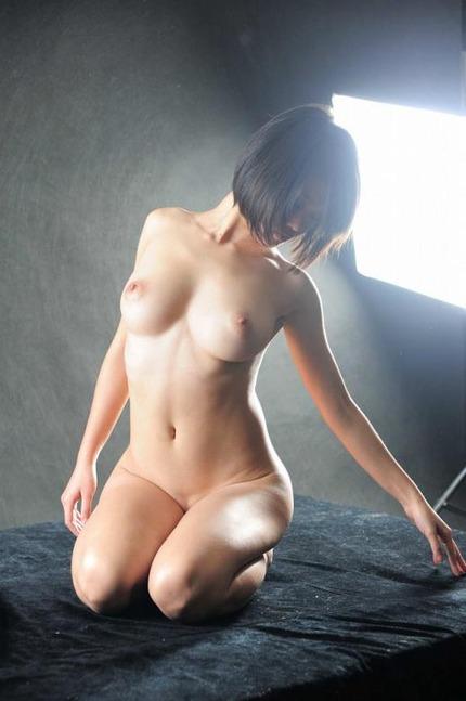 裸 ヌード エロ画像 (14)