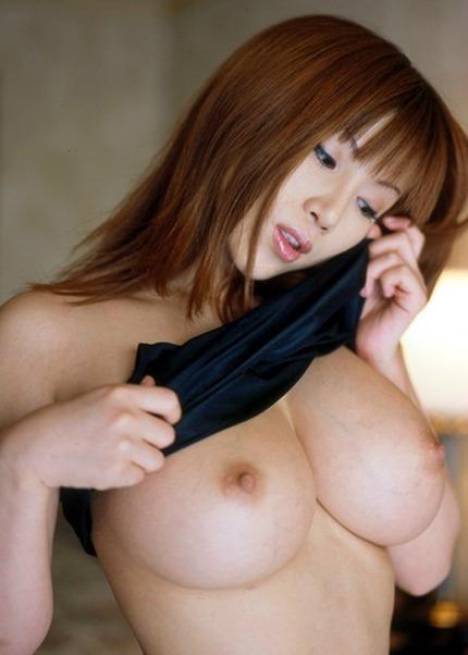 巨乳 おっぱい エロ画像 (3)
