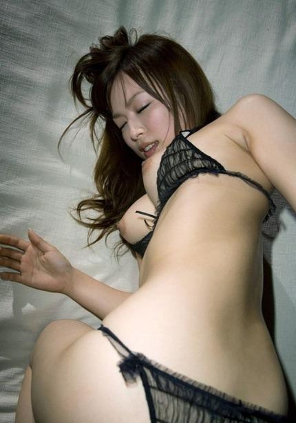 パンツはいたまま セックスエロ画像 (1)