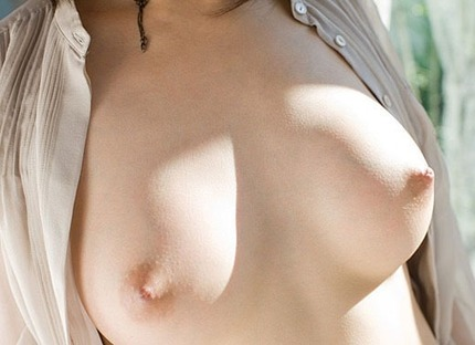 美乳 おっぱい エロ画像 (15)