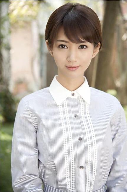清楚なお姉さん エロ画像 (10)