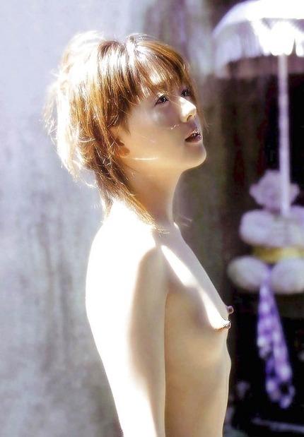 勃起乳首のエロ画像 (13)