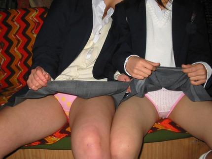 JK可愛いパンツ エロ画像 (8)