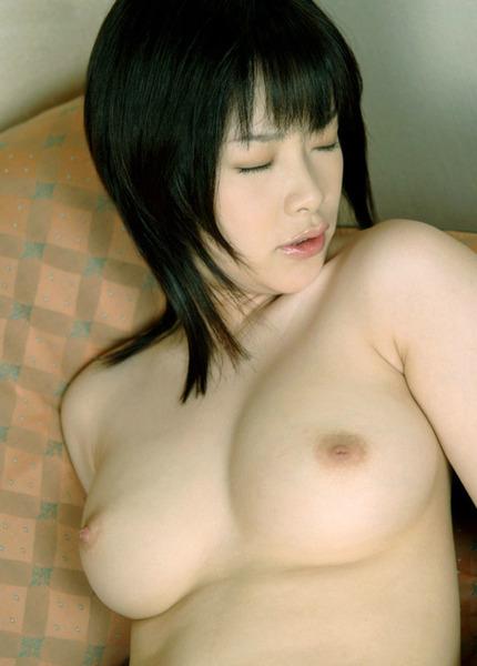 裸・ヌード おっぱいと陰毛見えてるエロ画像 (6)