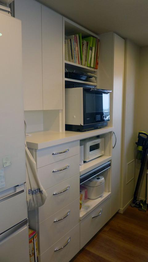 炊飯器蒸気排出ユニットを組み込んだキッチン収納