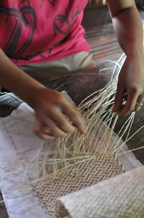 マクラメ編みとは
