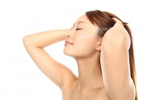 髪、乾かしてますか?本当は怖い「濡れたまま寝る」という習慣