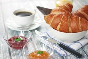 croissants-698873_1280