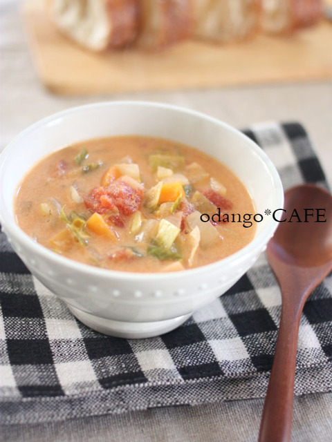 食べるスープ♪クリーミーな野菜たっぷりミネストローネ1_600