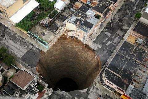 人類はまだ地球を10kmぐらいしか掘れていないという事実wwww