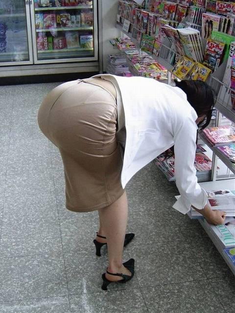 0f849b4a - OL盗撮 街で見かけるタイトスカートのお姉さんたち