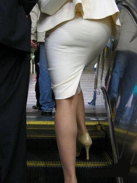 17bd1bf5 - OL盗撮 街で見かけるタイトスカートのお姉さんたち2