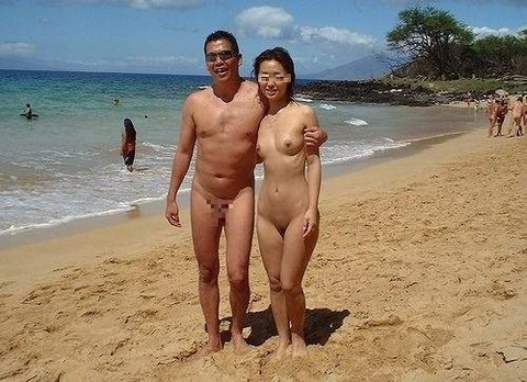 asian-nudist-couple-in-the-summer-private
