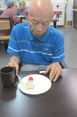 豊蔵さんケーキ