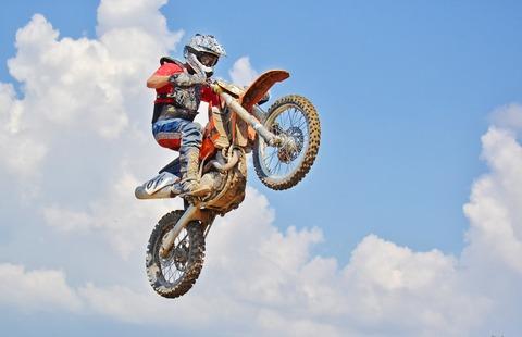 dirt-bike-2086046_1920