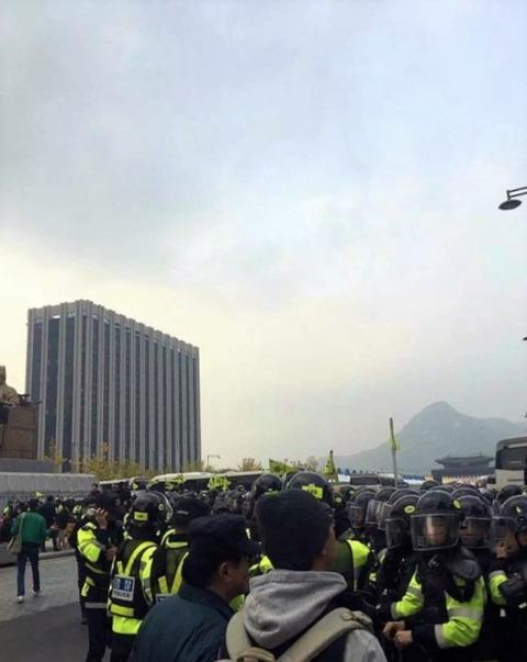 【韓国】朴槿恵退陣集会、歴代最大規模 各国メディアも注目=韓国ネット「こんな状態で誰が韓国企業に注文をくれる」