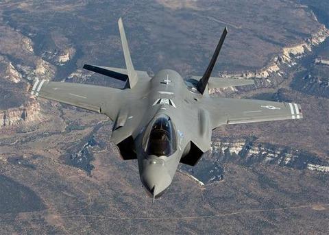 F 35 (戦闘機)の画像 p1_6