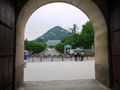 【韓国】次期大統領選有力候補、朴大統領の歴史認識を批判「たった10億円で歴史を…」=韓国ネット「国の歴史を金で解決するなんて…」