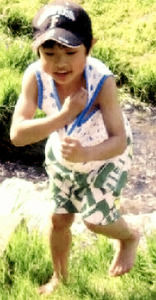 【社会】「しつけ」置き去りの7歳男児、依然不明 写真公開 北海道